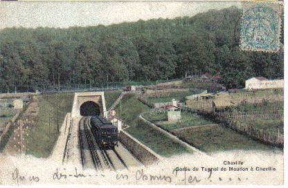 Un train au débouché du tunnel de Meudon (coll.part.)